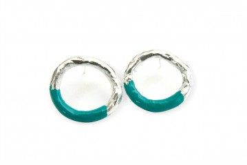Silver-lacquer empty circle earrings