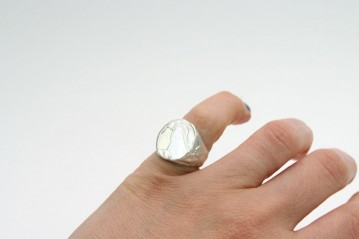 Chevalier silver oval ring