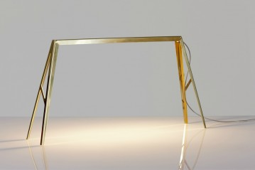 Bridge brass lamp
